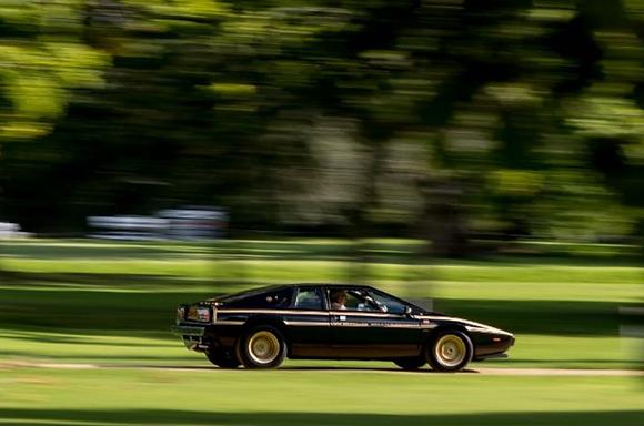 SCALEXTRIC-C4253 Future Release Lotus Esprit S2 World Championship