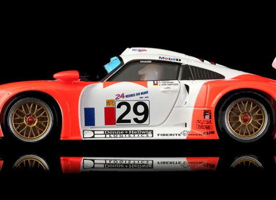 REVOSLOT-0090 Porsche 911 GT1 Marlboro #29