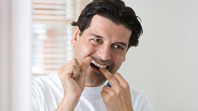 Uso o fio dental com responsabilidad