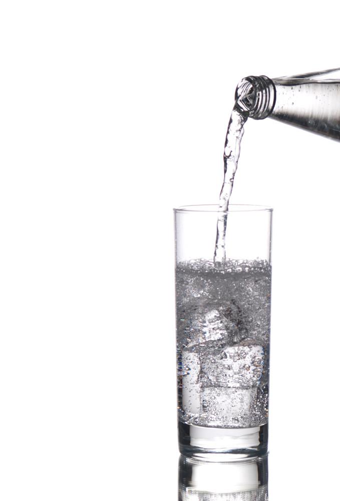 Beba água após a ingestão