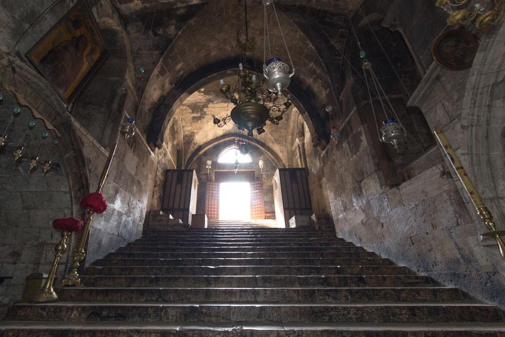 Escadaria de entrada da Igreja da Assunção de Maria