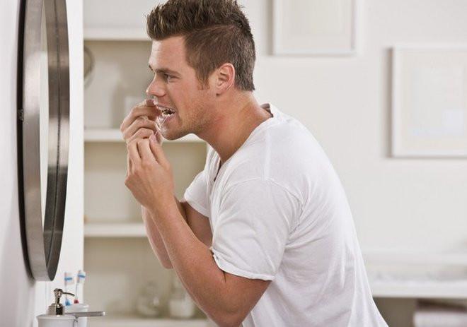 Fio dental, o instrumento mais rejeitado na limpeza bucal.