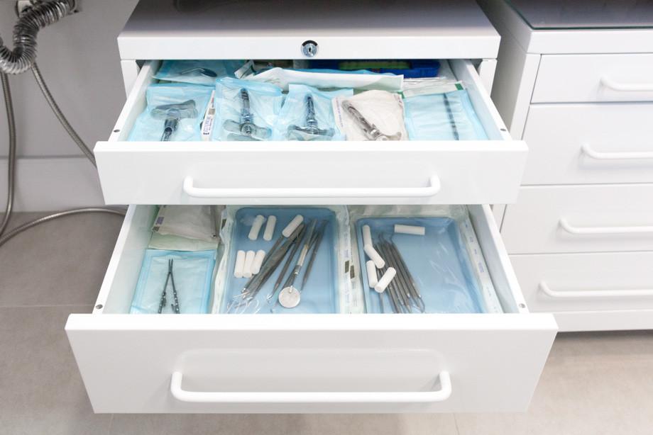 Instrumentos esterilizados em autoclave