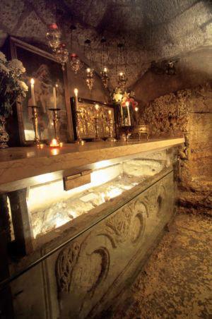 Pedra onde deitou-se o corpo da Virgem Maria