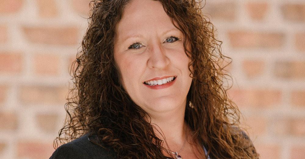 Partner Erika Smitherman Recevies Alumni Award