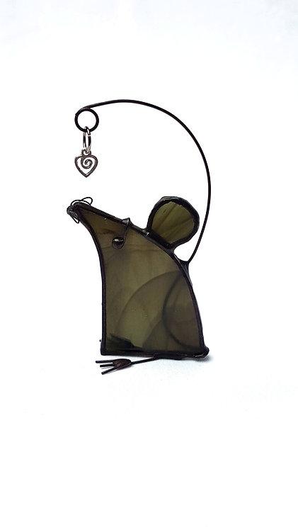 Dark Mouse, Left Facing
