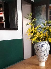 Vase bleu, couleurs de printemps