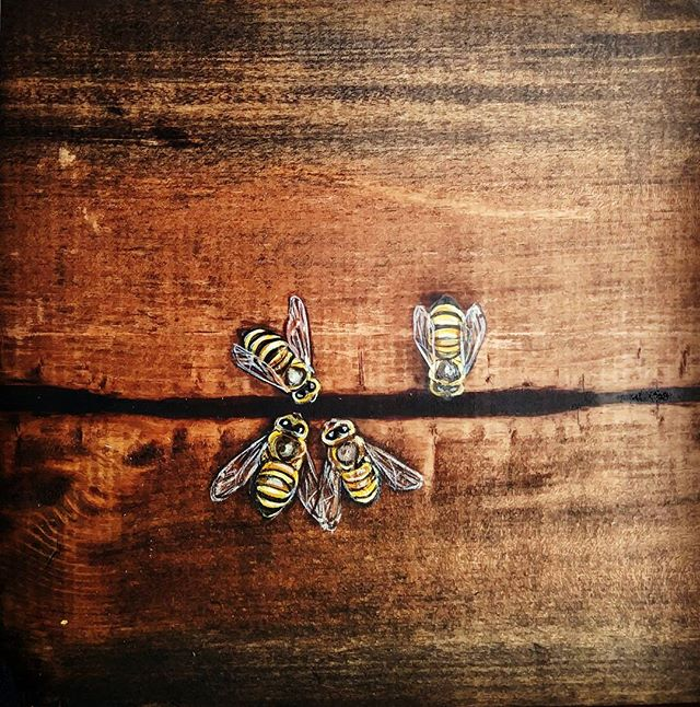 Bees in cracks #new #art #chalavie #savethebees #bees #wood #nature #losangeles #marvista #honey