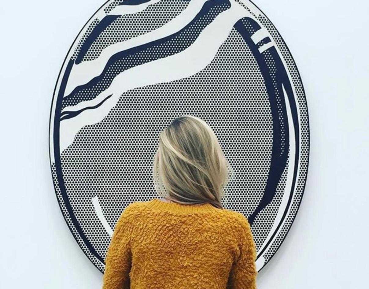 Woman admiring Roy Lichtenstein %22Mirro
