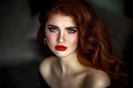 Photographer/Edit/Hair/Make up: Melanie Dietze Model: Sophie Theresa