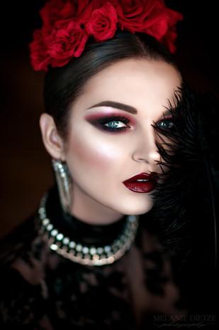 Photographer/Edit/Hair/Make up: Melanie Dietze Model: Jumeria