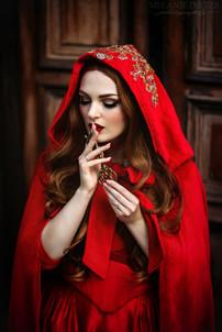 Photographer/Edit: Melanie Dietze Model/Hair/Make up/Dress: Jumeria