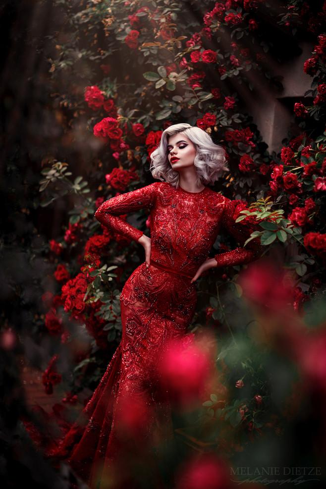 Photographer/Edit/Hair/Make up: Melanie Dietze Model: Jessica Dress: Jasmin Erbas