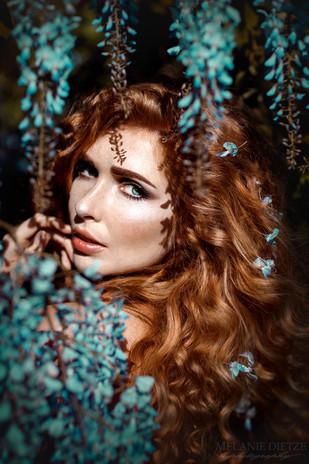 Photographer/Edit/Hair/Make up: Melanie Dietze Model: Theresa