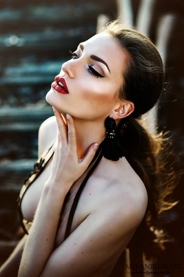 Photographer/Edit/Hair/Make up: Melanie Dietze Model: Olivia