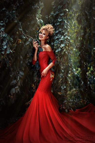 Photographer/Edit/Hair/Make up/Dress: Melanie Dietze Model: Taynara