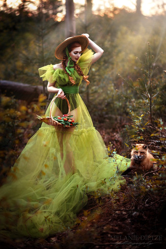 Photographer/Edit/Hair/Make up/Dress: Melanie Dietze Model: Theresa Fox: Leotie