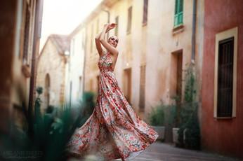 Photographer/Edit/Hair/Make up: Melanie Dietze Model: Lisa Dress: Lady CaroLynn