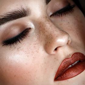 Photographer/Edit/Hair/Make up: Melanie Dietze Model: Lara