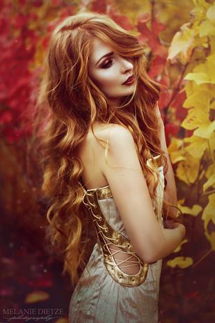 Photographer/Edit/Hair/Make up: Melanie Dietze Model: Theresa Dress: Zingarelli Couture