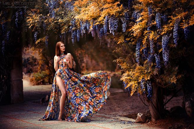 Photographer/Edit/Hair/Make up: Melanie Dietze Model: Lisa Dress: Lady Caro Lynn