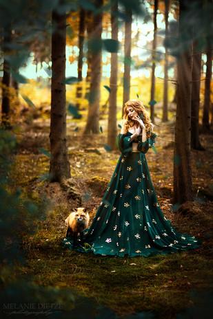 Photographer/Edit/Hair/Make up: Melanie Dietze Model: Theresa Dress: Lady CaroLynn Fox: Leotie