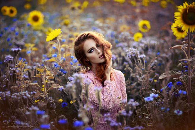 Photographer/Edit/Hair/Make up: Melanie Dietze Model: Svenja