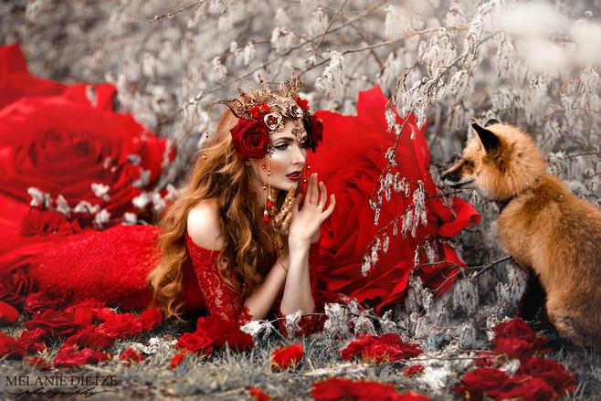 Photographer/Edit/Hair/Make up/Dress: Melanie Dietze Model: Theresa Fox: Leotie Headdress: Ivy Design