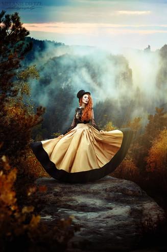 Photographer/Edit/Hair/Make up: Melanie Dietze Model: Laura Dress: Myrelle Couture