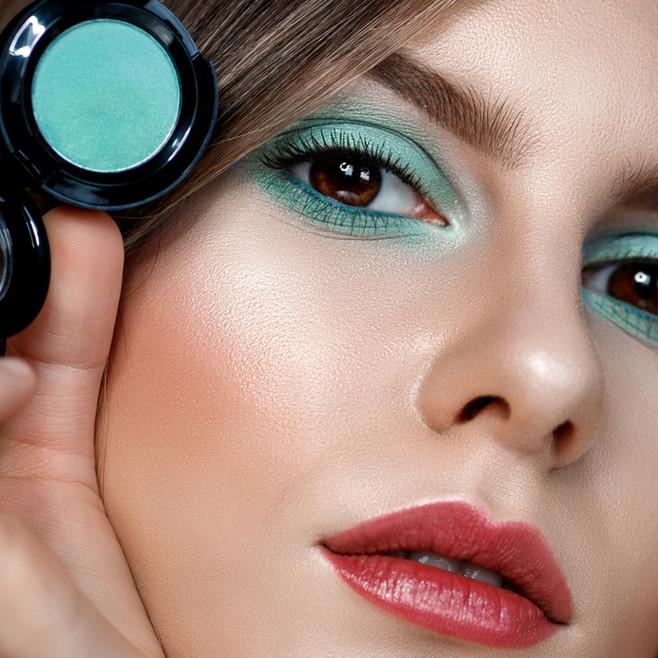 Photographer/Edit/Hair/Make up: Melanie Dietze Model: Muriel