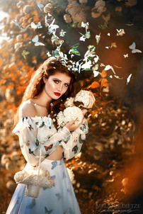 Photographer/Edit/Hair/Make up/Dress/Headdress: Melanie Dietze Model: Sophie Theresa