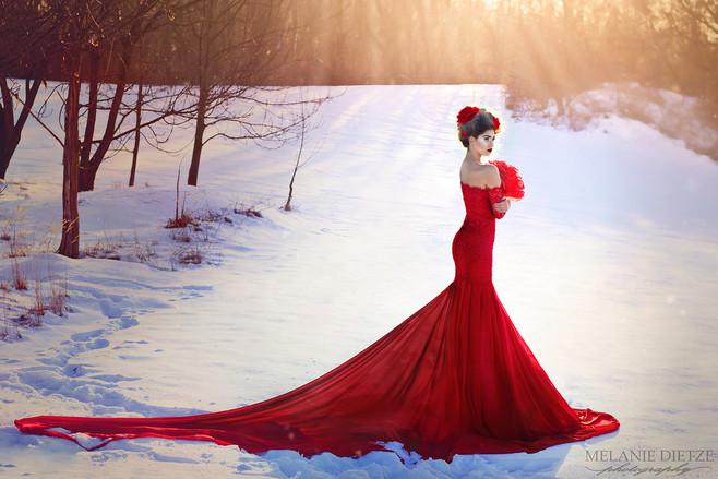 Photographer/Edit/Hair/Make up/Dress: Melanie Dietze Model: Isabell