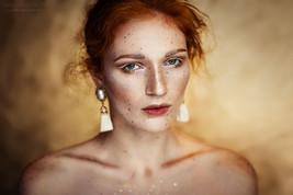Photographer/Edit/Hair/Make up: Melanie Dietze Model: Olga