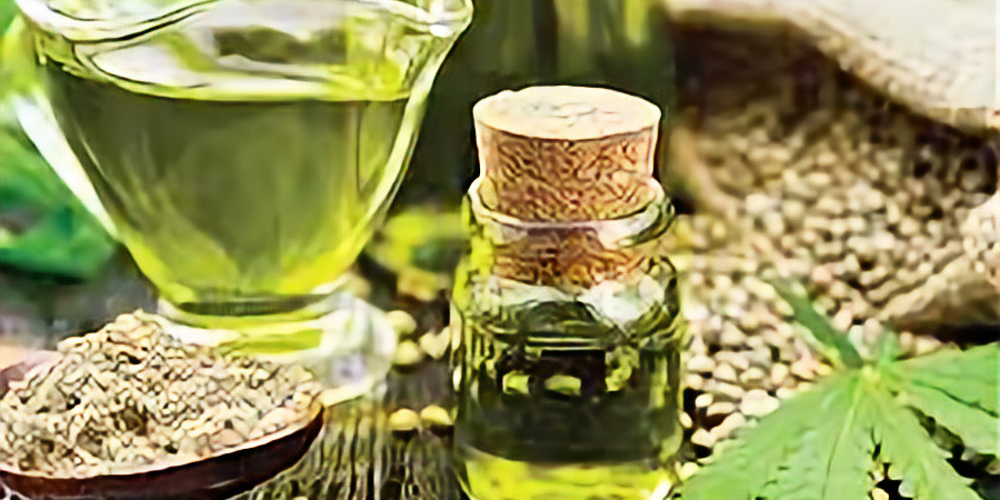 The Benefits of CBD and Other Essential Oils