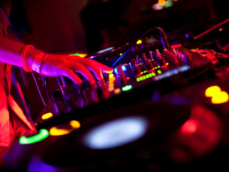 Choosing The Right DJ For Your Special Event