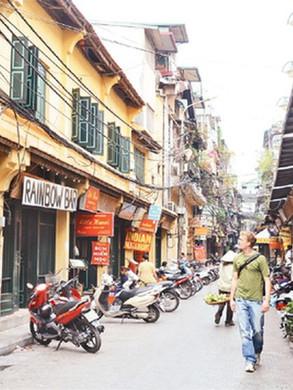 Hanoi old quarter.jpg