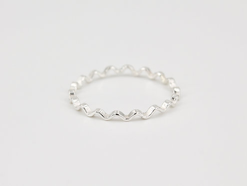 Rippled Line Ring