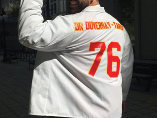 Kansas City Chiefs player Laurent Duvernay-Tardif graduates from medical school