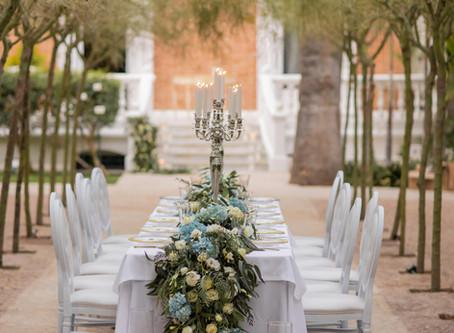 ELEGANT GARDEN WEDDING INSPIRATION WHITE AND BLUE