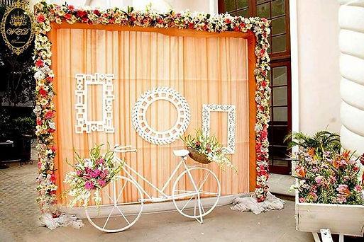 Selfie booth for wedding.jpeg