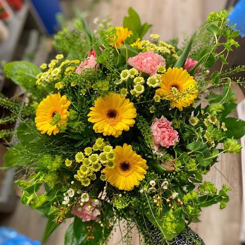 Vázané kytice 30