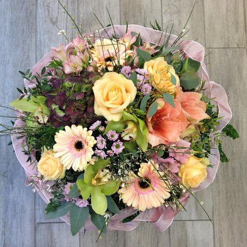 Vázané kytice 28