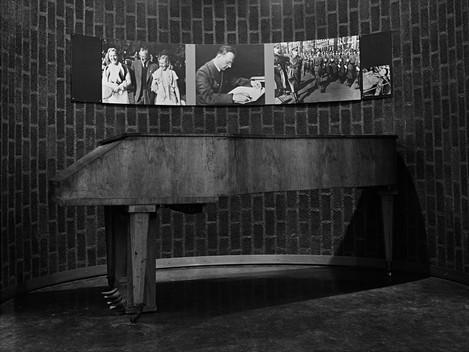 El piano de Arthur Seyss-Inquart, 1998