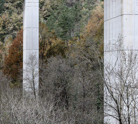 De viaductos # 5, 2018 Fotografía digital. Impresión sobre aluminio blanco con lacado de 6 capas. 110 x 165 cm Edición de 6 + 2 P/A numeradas y firmadas por el autor También disponible una edición de 6 + 2 P/A de 80 x 120 cm 110 x 165 cm: € 4.500 incl IVA  80 x 120 cm: € 2.400 incl IVA