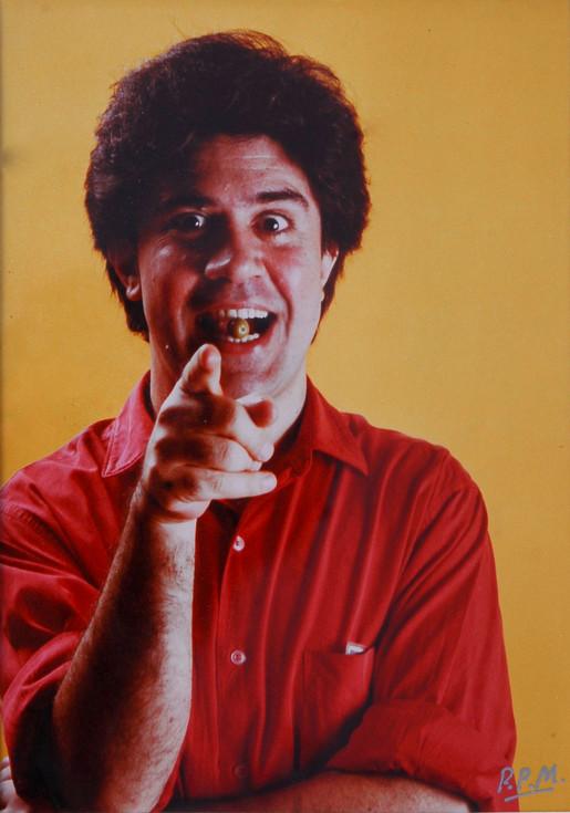 Pedro Almodóvar 1987 24 x 17 cm Fotografía original firmada 2.000 € (IVA incluído)