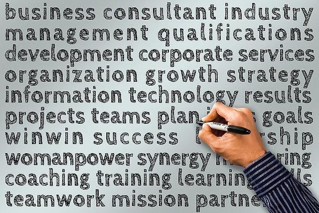 THE BUSINESS MODEL CANVAS  PARA CREAR O RECREAR INDUSTRIAS CULTURALES