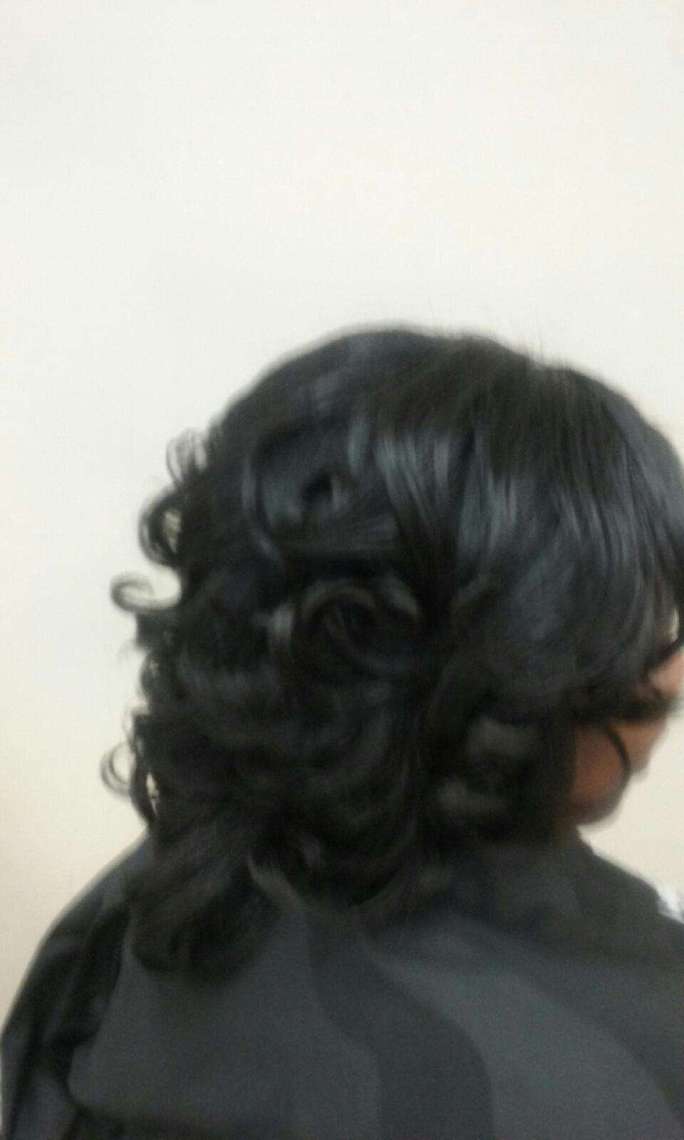 Natural Blow Out & Style