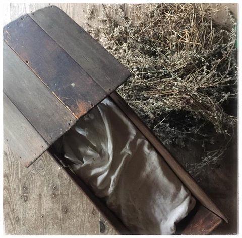 Colonial Wooden Board Baby Cradle