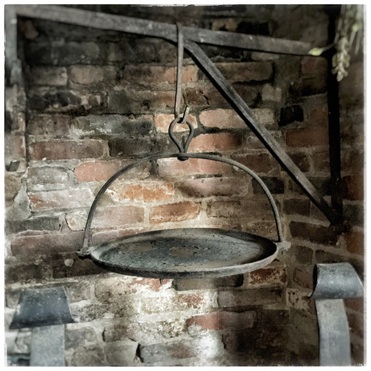 Colonial Hanging Cast Iron Fireplace Skillet