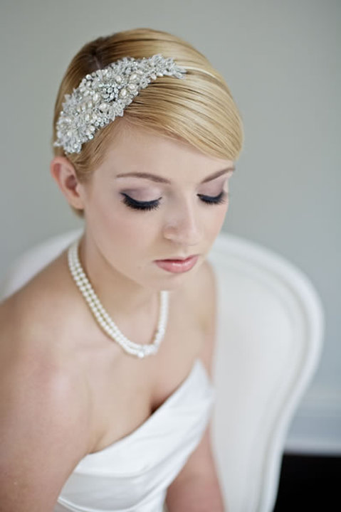 Ganza Beaded pearl side headband